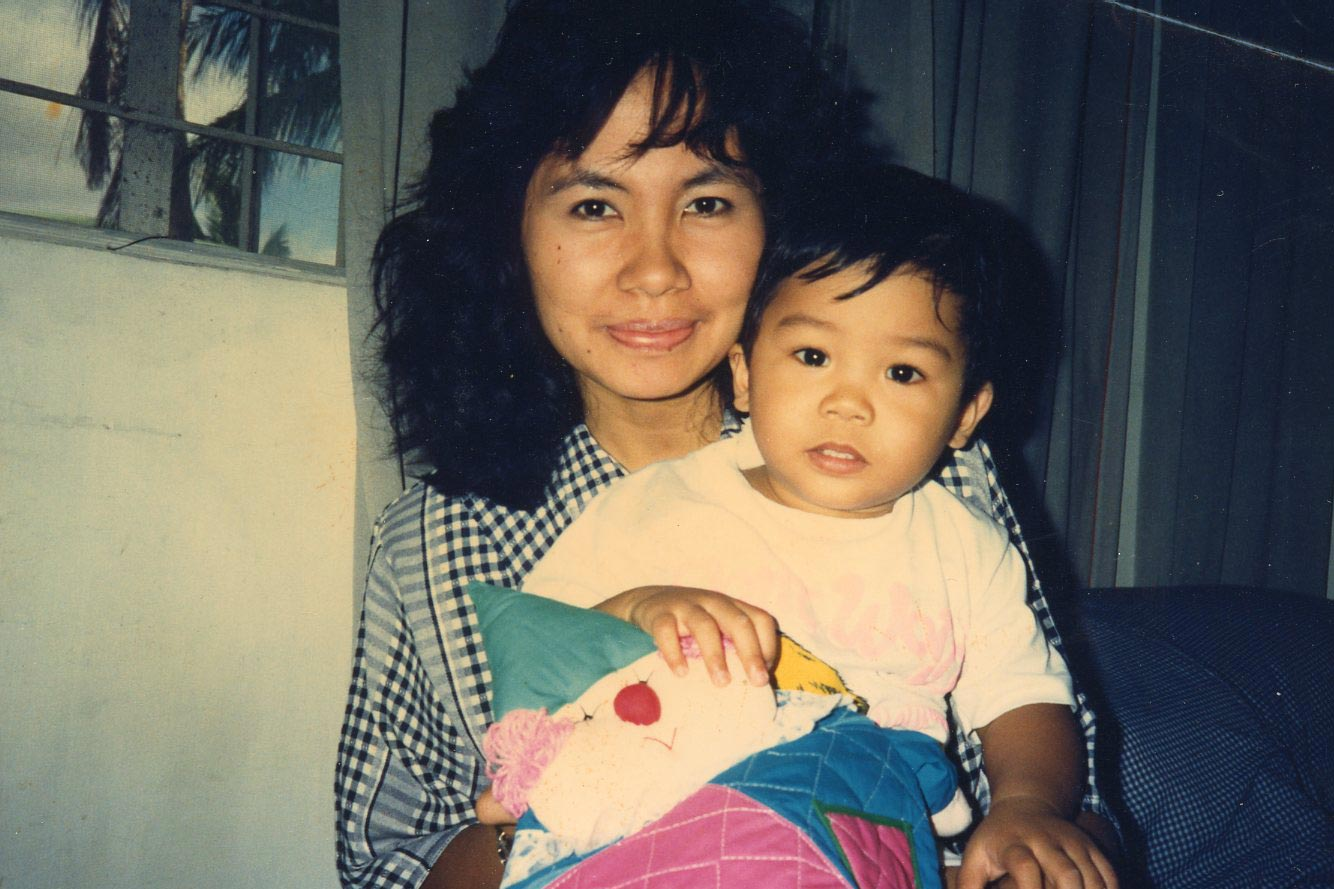 Miko Revereza pictured with his mother in 1990.